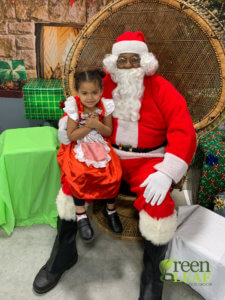 Where to get free pictures with Santa 2019 at GreenLeaf Market